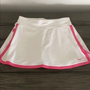 Nike dryfit white tennis skirt with pink trim